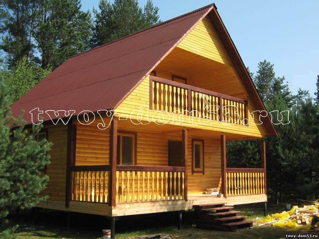 Дом из профилированного бруса 8*8 с балконом.